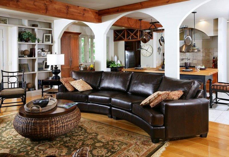 Кожаный диван в Калининграде
