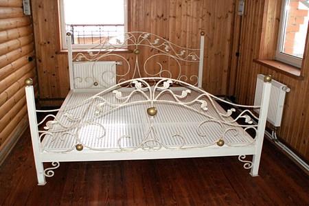 Кованая кровать в Калининграде